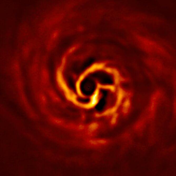 Zbliżenie centralnej części dysku wokół AB Aurigae (ESO/Boccaletti et al.)