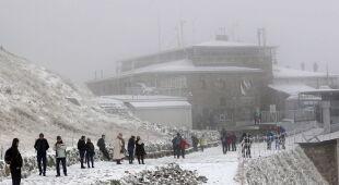 Śnieg na Kasprowym Wierchu (PAP/Grzegorz Momot)
