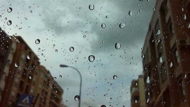 Prognoza pogody na dziś: deszcz i burze